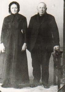 isbrand and Anna (Neudorf) Friesen - my great-grandparents
